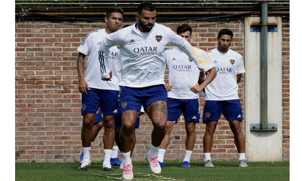 Edwin Cardona se demoraría en volver a las canchas, Boca confirmó una lesión muscular