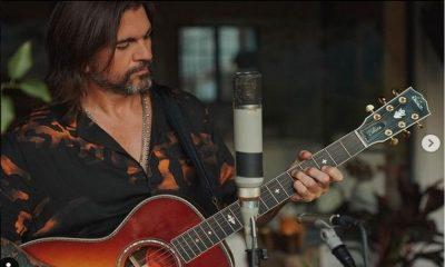 ¡Tan tierno! Juanes celebró los 91 años de su madre dedicándole hermosa serenata