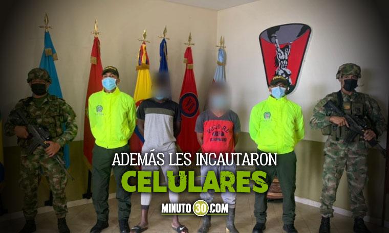 Los cogieron con plata y armados Ejercito capturo a dos integrantes del Clan del Golfo en Choco