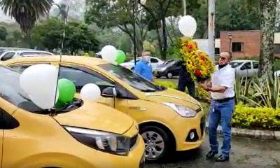 Video: Gremio de taxistas de Medellín se unieron al homenaje del Policía antioqueño asesinado en Bogotá