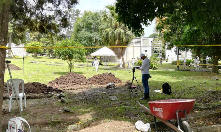 En cementerio de Medellín hallan 906 restos humanos NN que podrían ser víctimas de desaparición