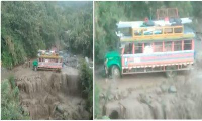 En Anzá vivieron momentos de terror tras el cruce de una 'Chiva' por una quebrada caudalosa