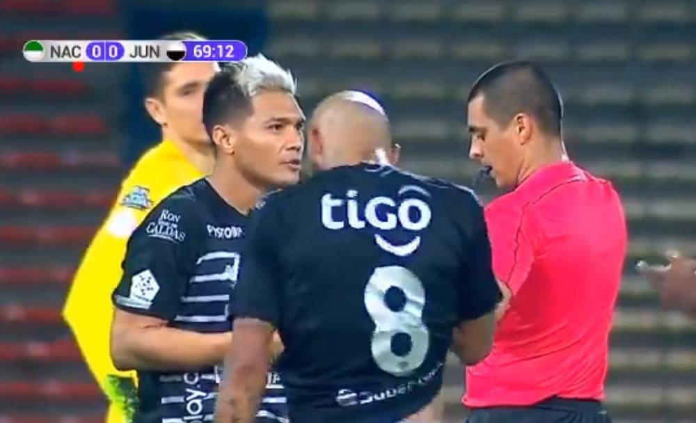 Carlos Bacca y el trino iracundo por la derrota de Junior ante Nacional