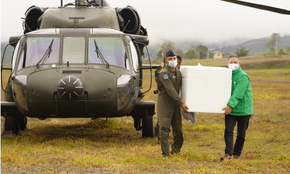 Fuerza Aérea Colombiana dispuso de aviones y helicópteros para transportar vacunas contra el Covid en Antioquia