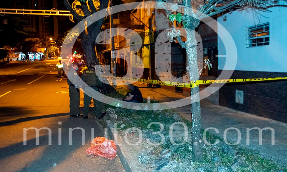 Fotos: A otro habitante de calle de Medellín también lo intentaron matar dejándole caer una piedra en la cabeza