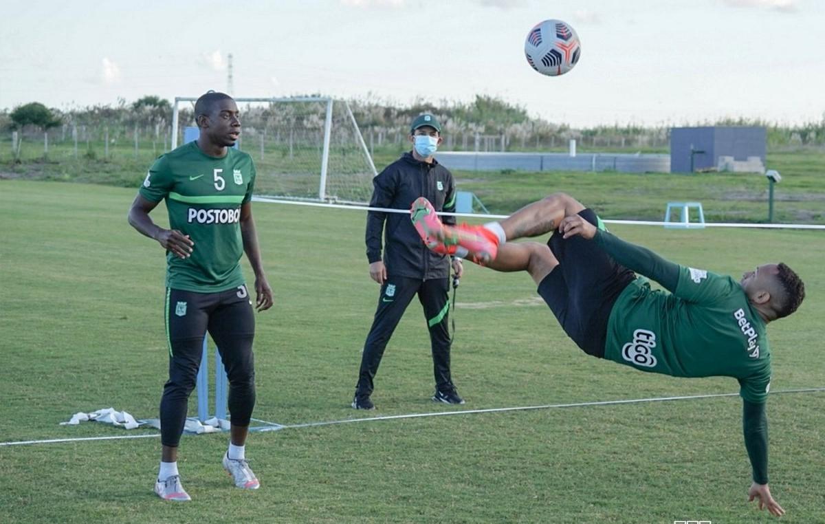 Atletico Nacional entrenamiento Uruguay 3