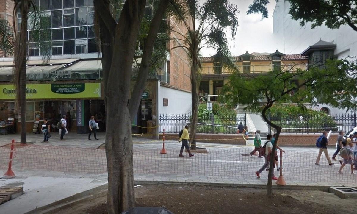 Biblioteca Central Hector Gonzalez Mejia Club La Playa