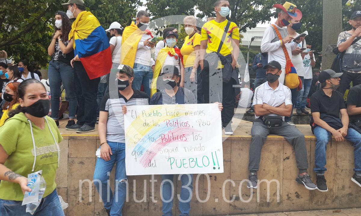 Desde el Parque de los Deseos asi va el Paro Nacional en Medellin 5
