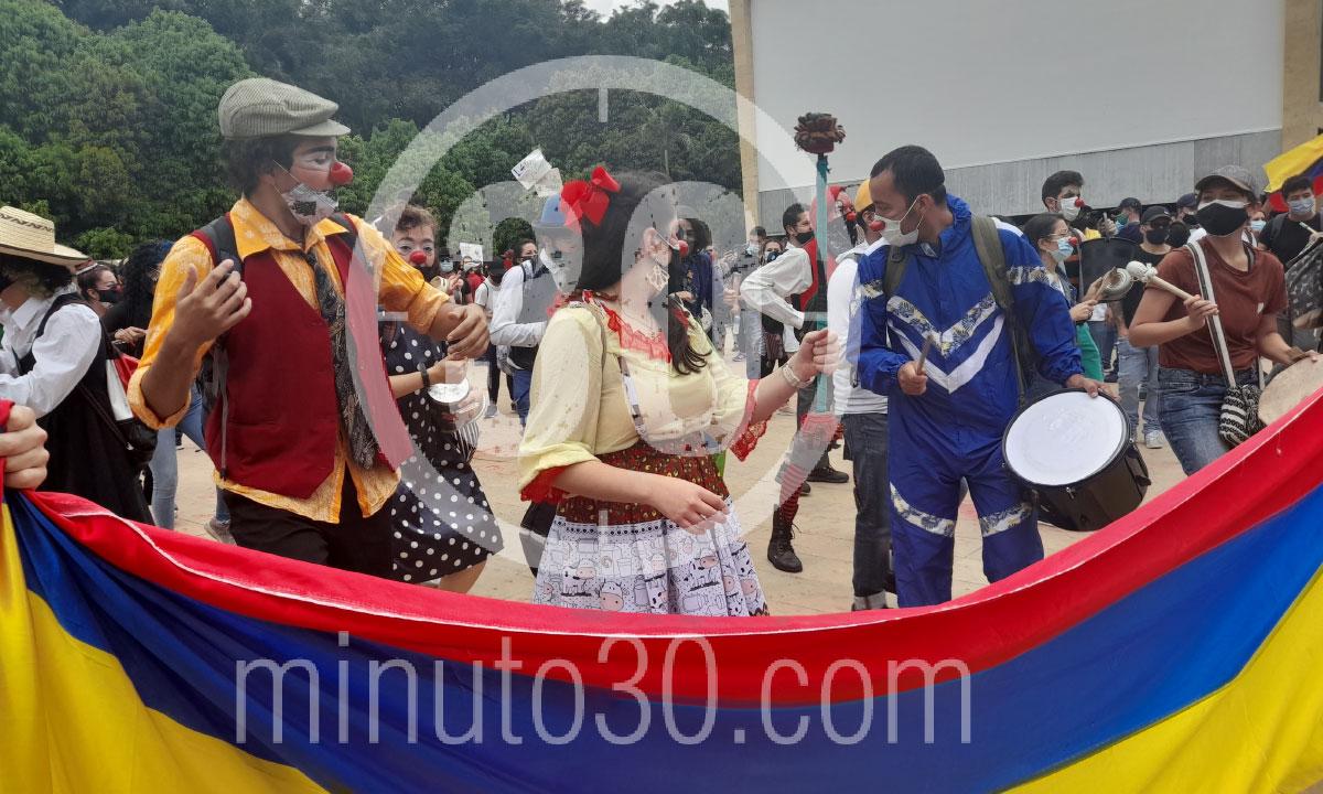 Desde el Parque de los Deseos asi va el Paro Nacional en Medellin 8