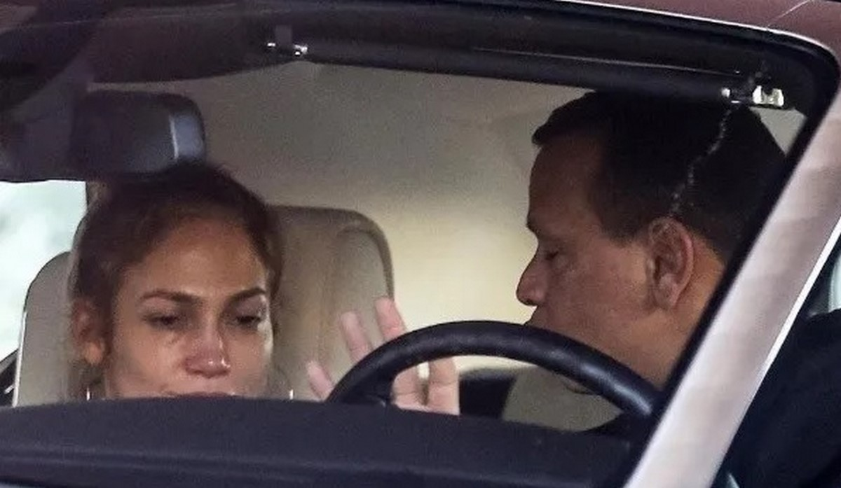 Jennifer Lopez llorando por Alex Rodriguez 2