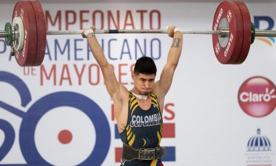 El colombiano Miguel Suárez establece un nuevo récord durante la competencia de 55kg en el Campeonato Panamericano de Mayores de Levantamiento de Pesas hoy, en Santo Domingo (República Dominicana). EFE/ Orlando Barría