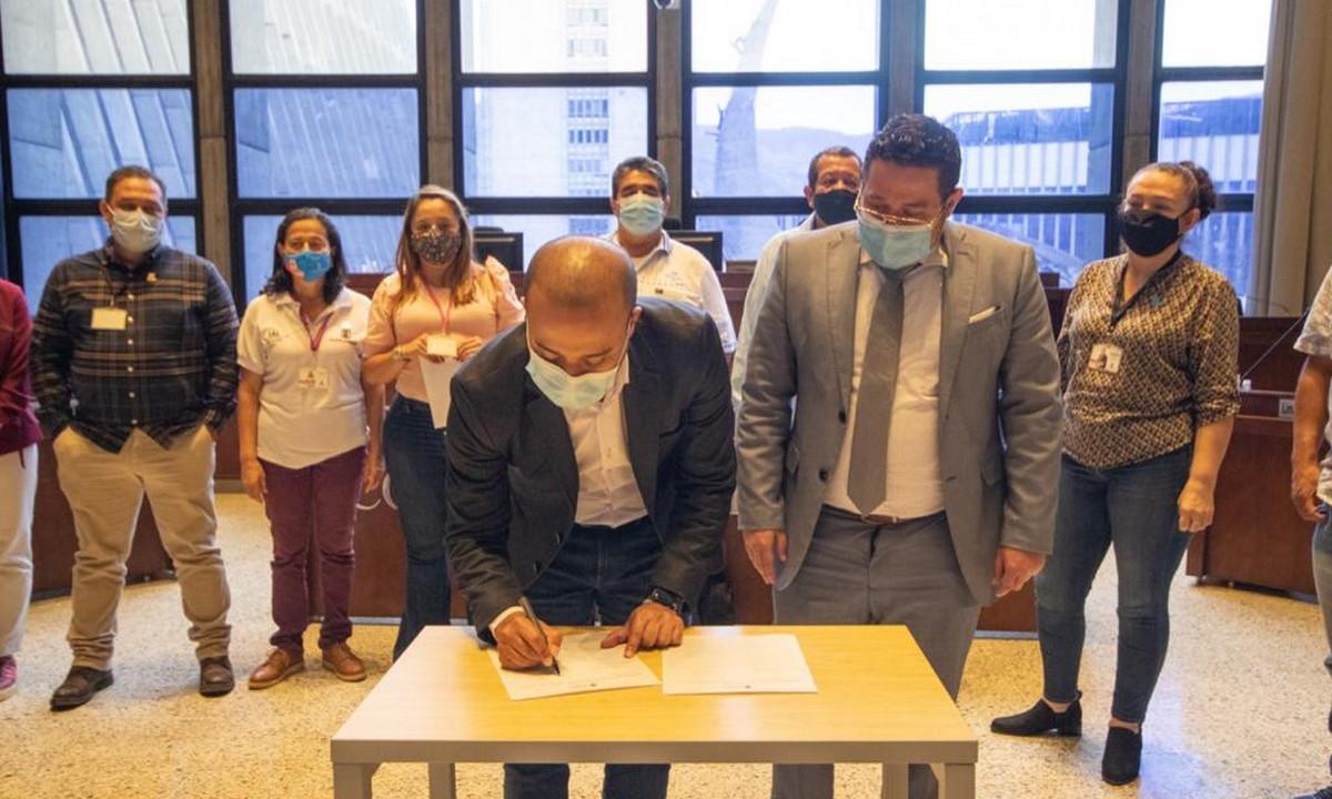 La Alcaldía de Medellín radicó el proyecto que permitirá que los ediles reciban un reconocimiento económico