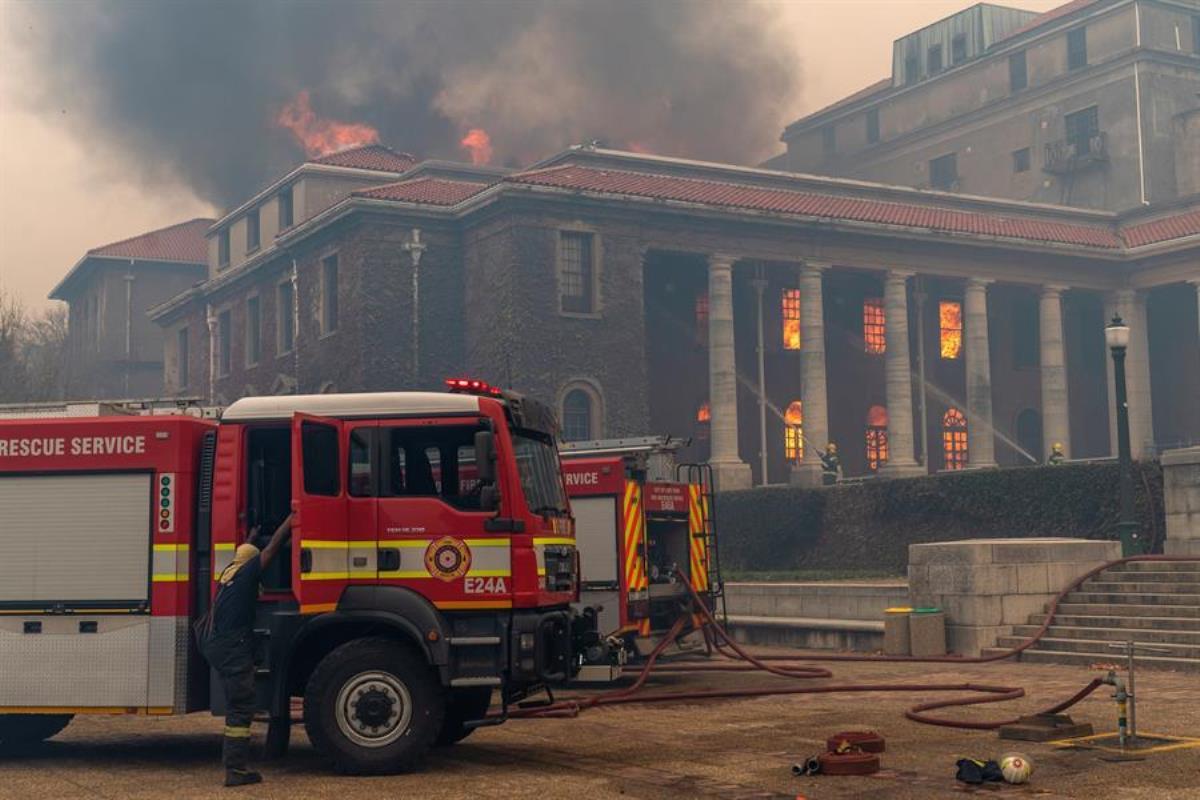 incendio ciudad del cabo1
