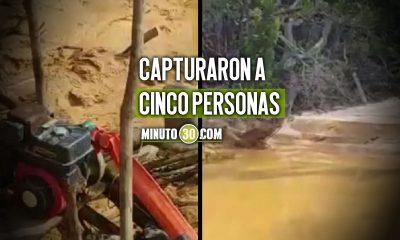[Video] Soldados descubrieron una mina ilegal que causaba daño ambiental en Antioquia y la destruyeron