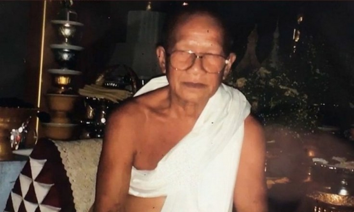 monje budista-corto-cabeza