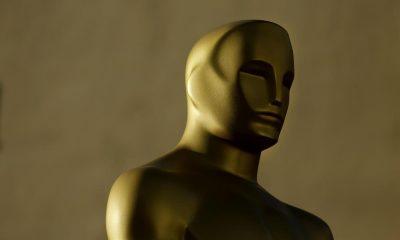 Una estatua de los Oscar antes de recibir una capa de pintura. EFE/PAUL BUCK/ Archivo