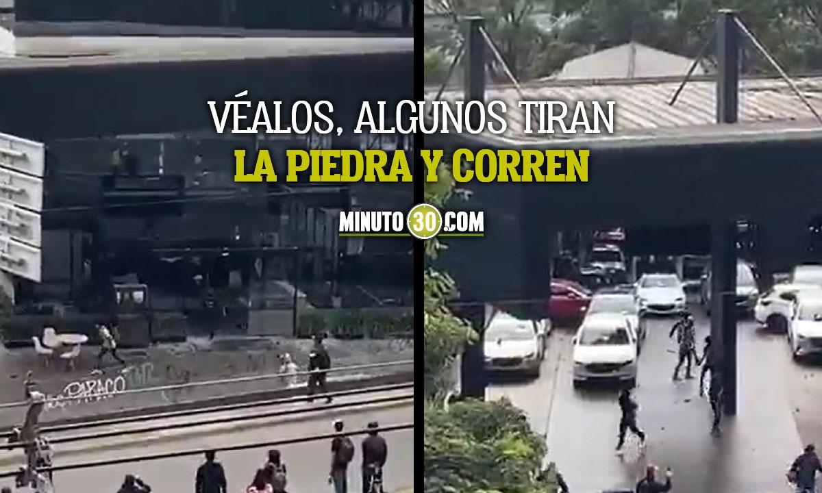 [Video]¡Quieren acabar con todo! Atacaron un concesionario en la Avenida El Poblado