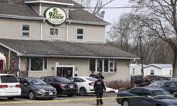 Vista del bar de Somers House, donde se produjo un tiroteo a primera hora de la mañana que, según los informes, dejó tres personas muertas y dos gravemente heridas cerca de Kenosha, Wisconsin, EE.UU.. EFE/EPA/TANNEN MAURY
