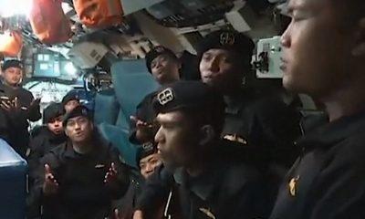 tripulantes cantando2 submarino 1 1
