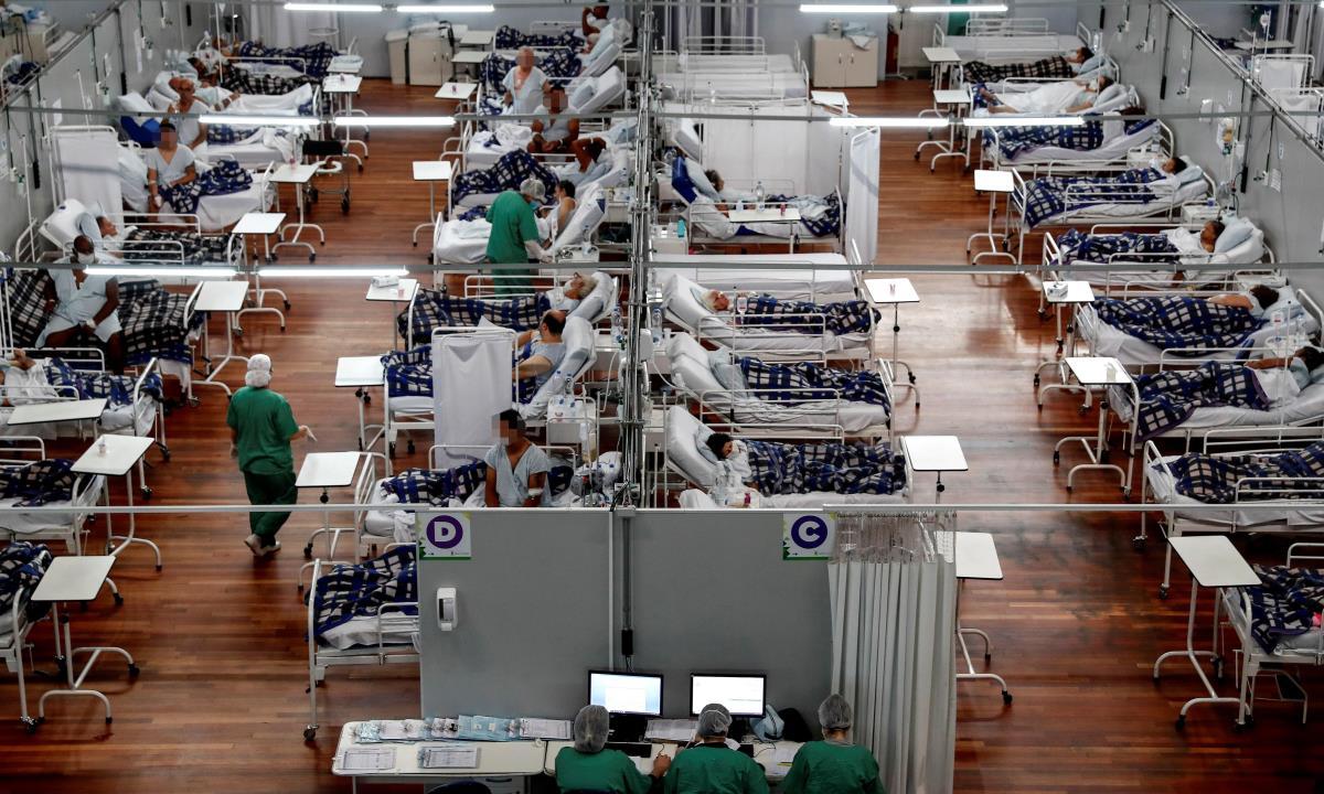 Registro general del Hospital Municipal de Campaña Pedro Dell Antonia, en la que se atienden pacientes de covid-19, en la ciudad de Santo André (estado de Sao Paulo, Brasil). EFE/Sebastiao Moreira