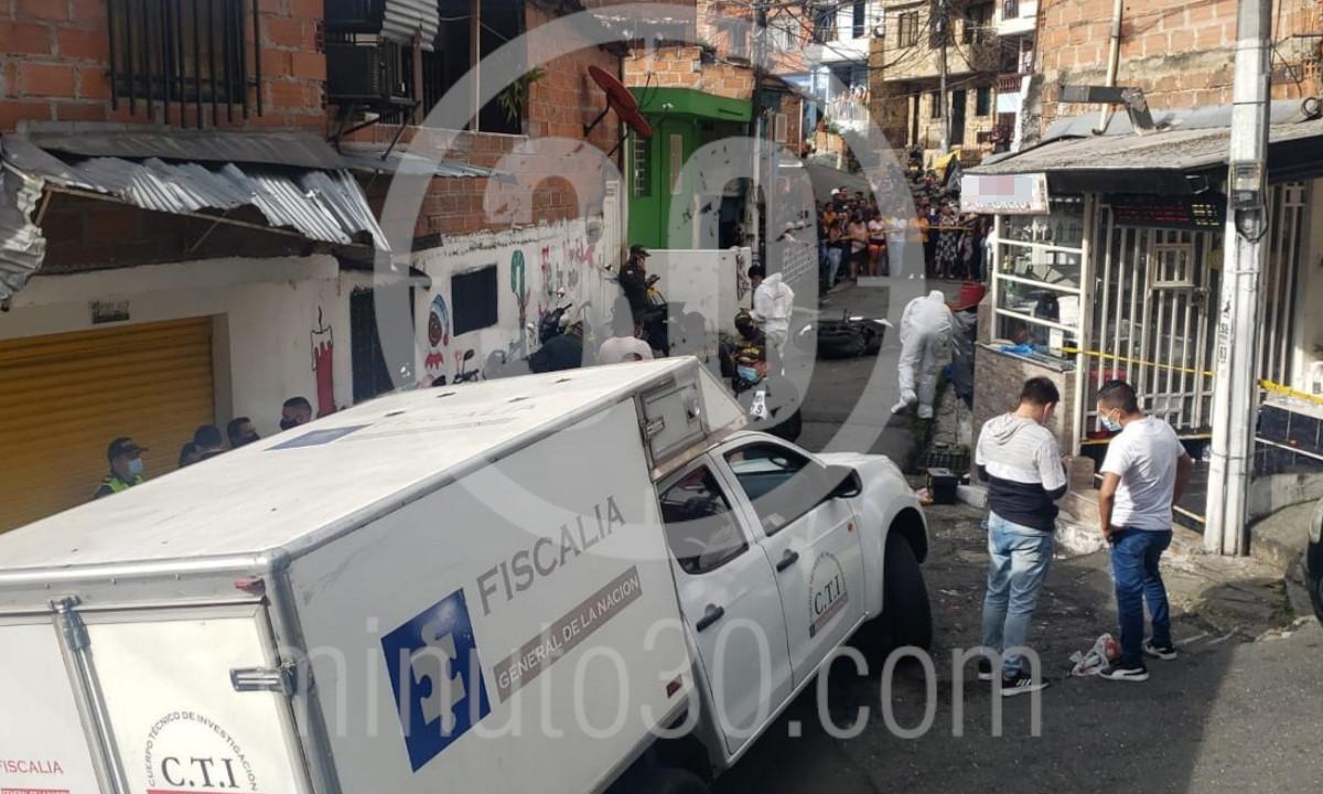[Fotos] Investigan el asesinato de un hombre en El Popular 2