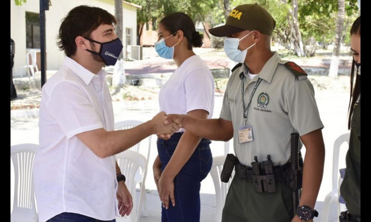 Barranquilla dará 500 becas a jóvenes para que sean policías
