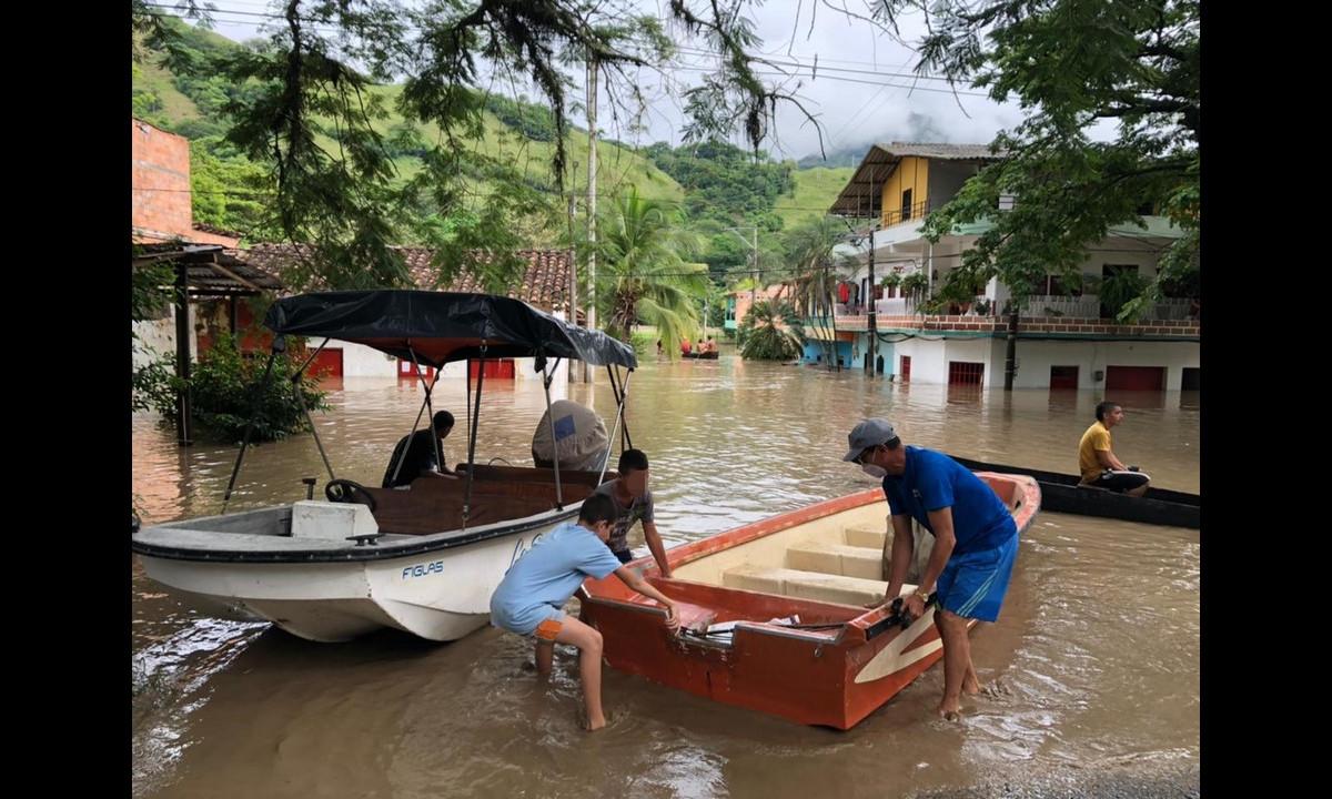 Rio Cauca inundó a Bolombolo, hay más de 120 familias damnificadas