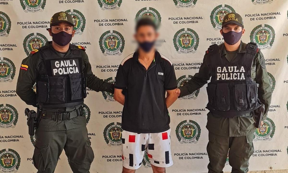 Capturado presunto integrante de 'Los Caparros' cuando recibía dinero de extorsión