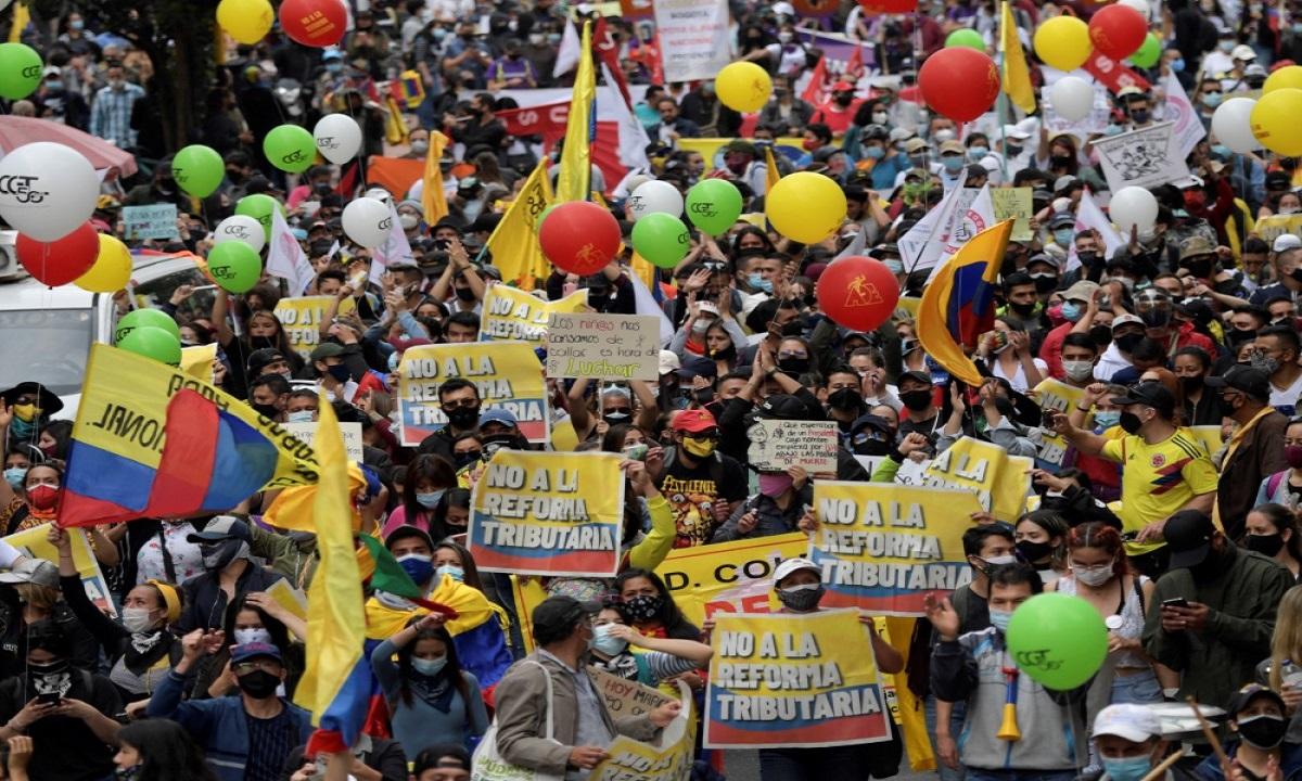 comisión de congresistas-manifestantes-gobierno
