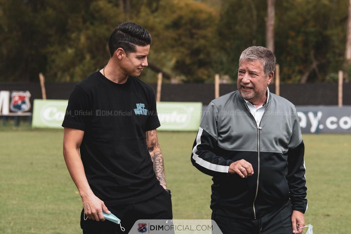 James Rodriguez visito el entrenamiento del Medellin 3