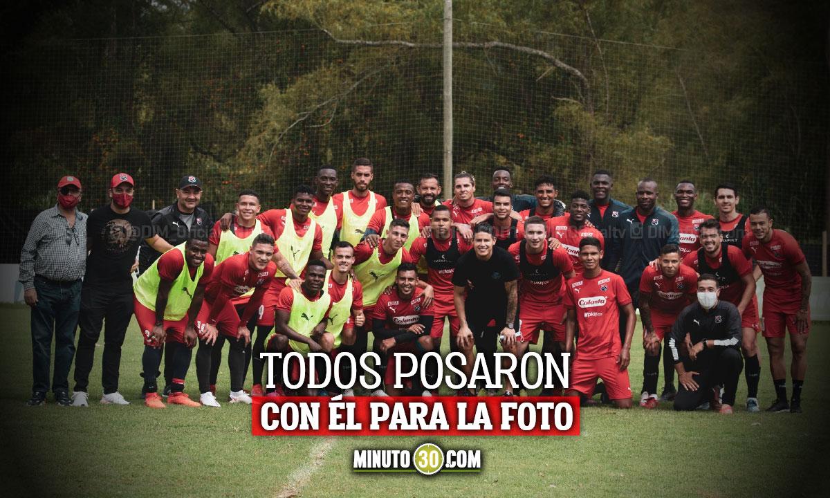 James Rodriguez visito el entrenamiento del Medellin