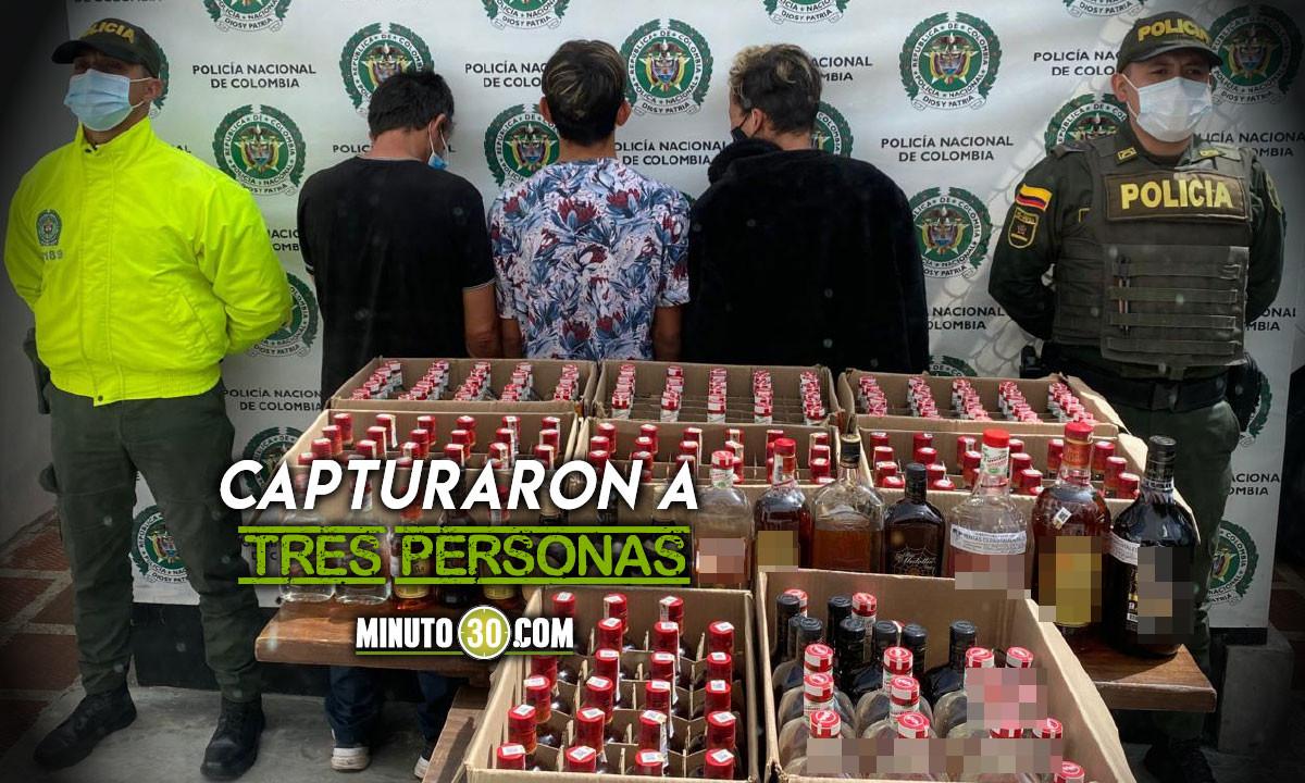 ¡Qué peligro! Incautaron 236 botellas de licor adulterado en El Carmen de Viboral
