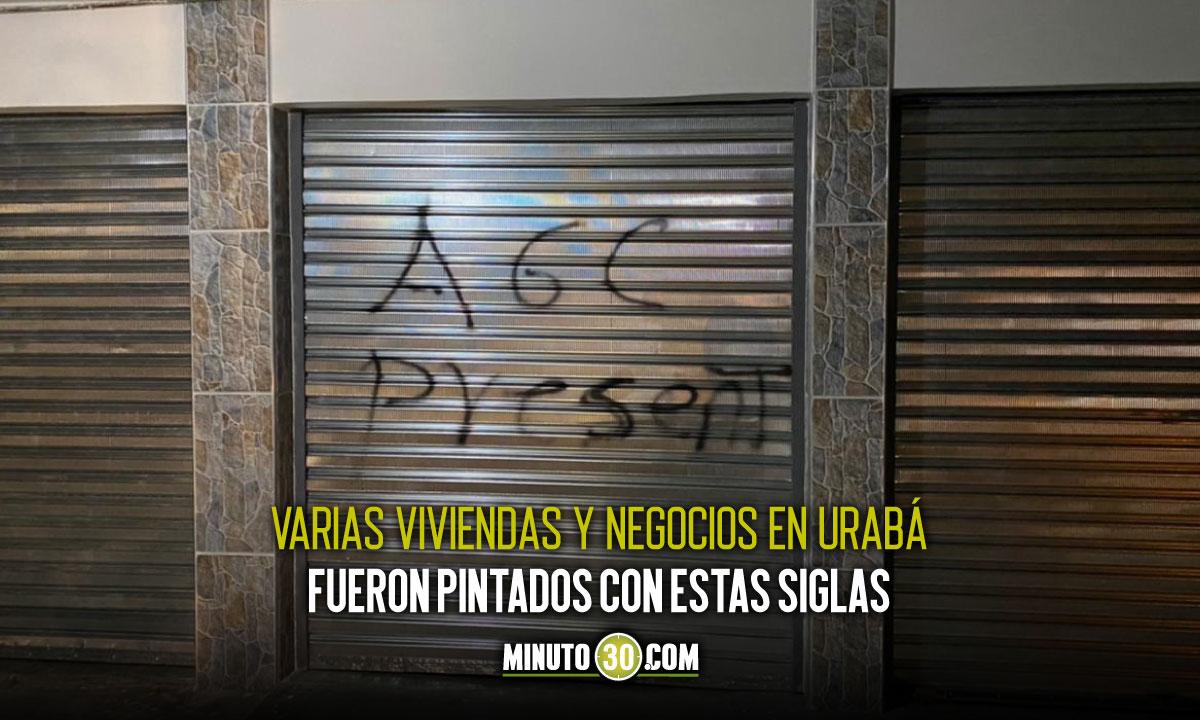 Los pillaron haciendo grafitis con siglas alusivas a las Autodefensas Gaitanistas de Colombia y los capturaron