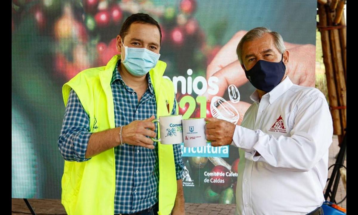 ¡Qué bueno! Hoy oficializaron cuatro convenios entre cafeteros y la Alcaldía de Manizales
