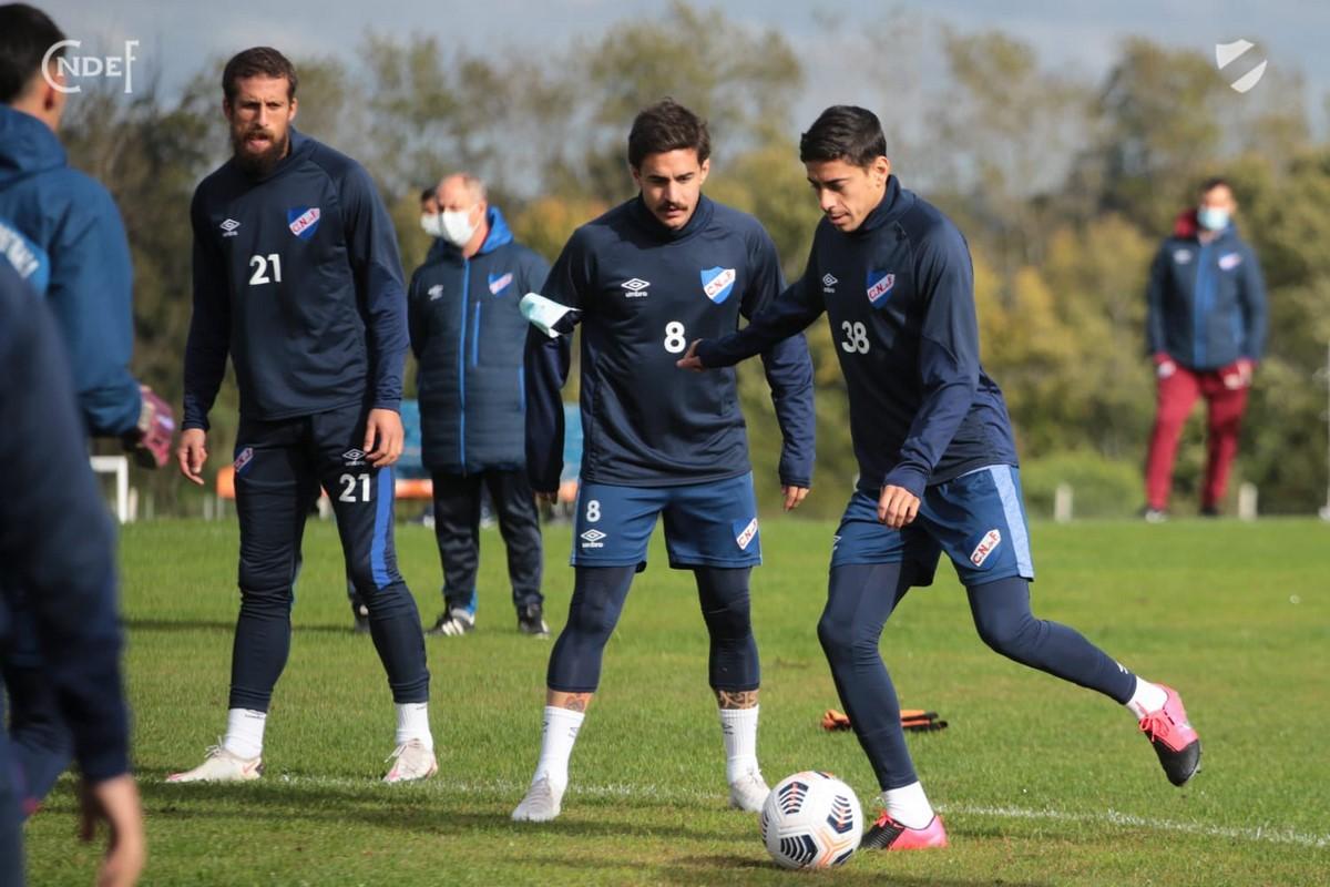 Nacional de Uruguay ya esta en Pereira para enfrentar a Atletico Nacional 10