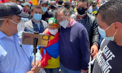 Gustavo Petro también se sumó a las manifestaciones en Bogotá