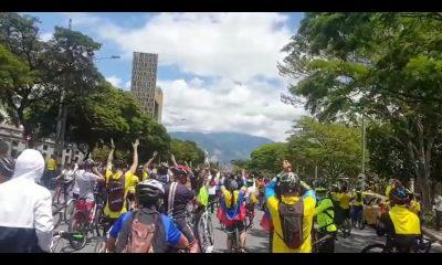 [Videos] Ciclistas y patinadores se unieron a las manifestaciones, en Medellín hicieron una 'Rodada por Colombia'