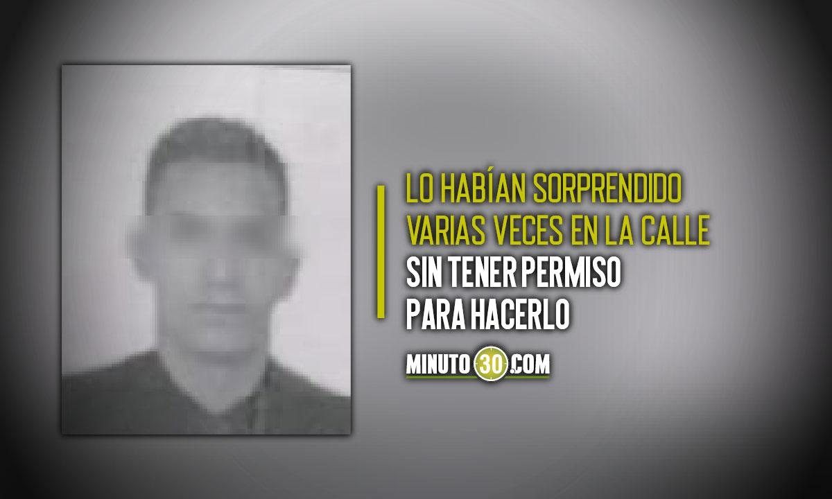Limpia vidrios casi mata a dos venezolanos en un semáforo en Medellín
