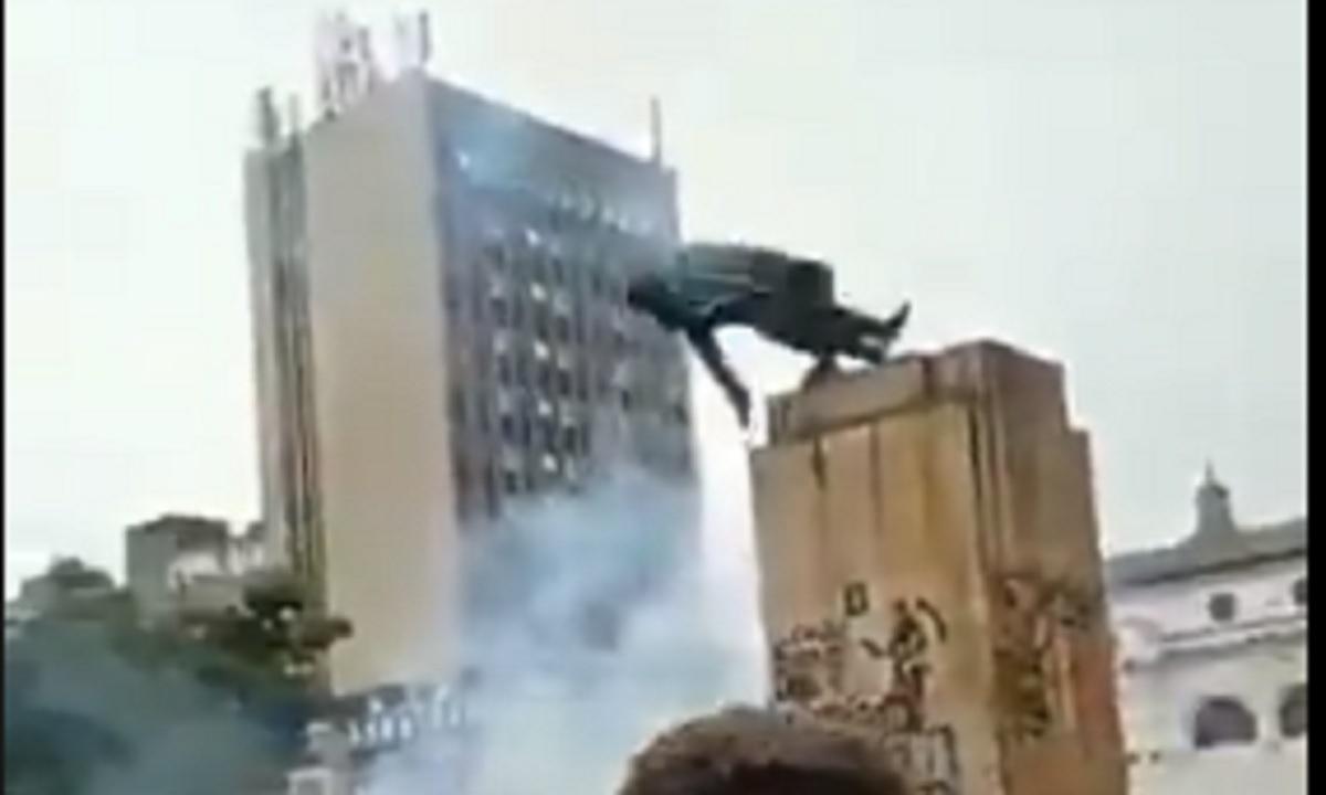estatua-Antonio Nariño