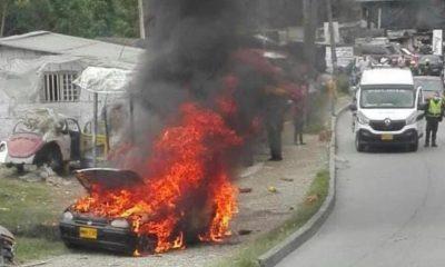 Vehículo particular se incendió en plena vía pública de Manizales