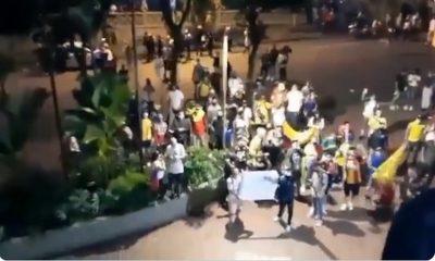 manifestantes-protesta-atlético nacional