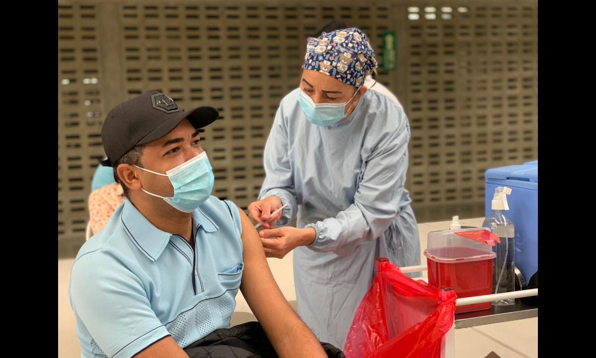 La Alcaldía de Medellín informó que en la ciudad se han aplicado 624.669 vacunas anti Covid