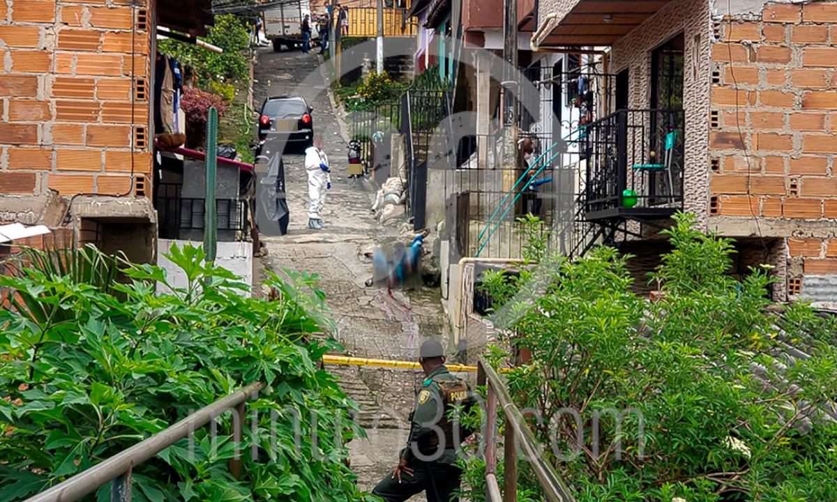 [Fotos] Sicarios mataron a un hombre en el Barrio Nuevo de Bello