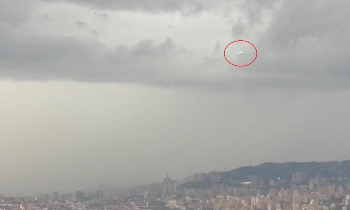 [Video] Un avión aterrizó en Medellín en medio de las fuertes lluvias