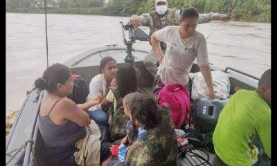5 niños y 5 adultos fueron rescatados tras accidente fluvial en el Río Atrato