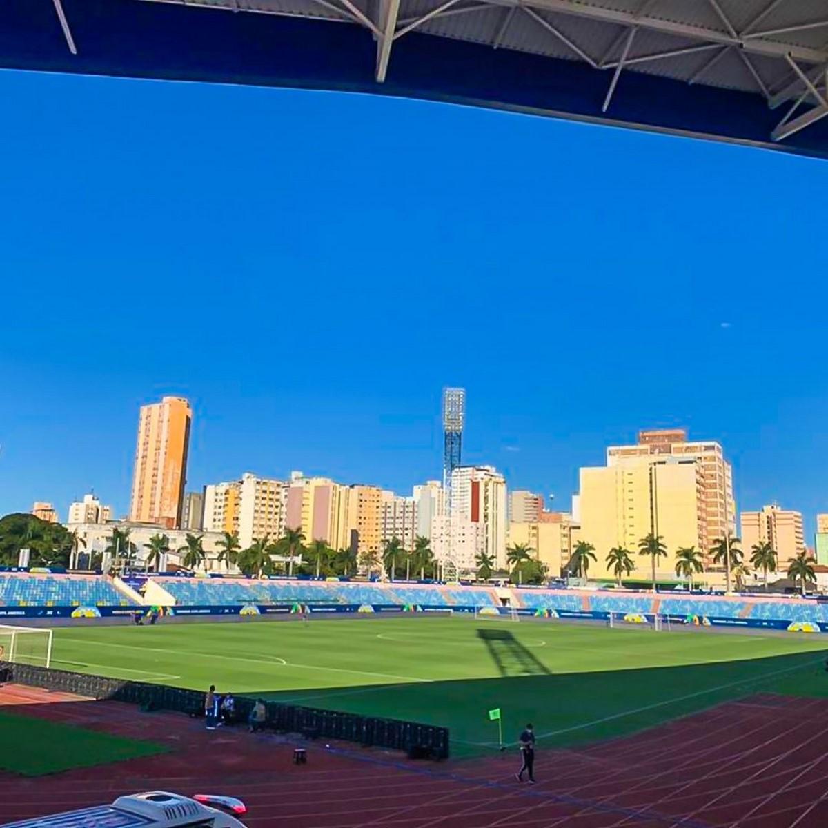 Estadio Pedro Ludovico 1