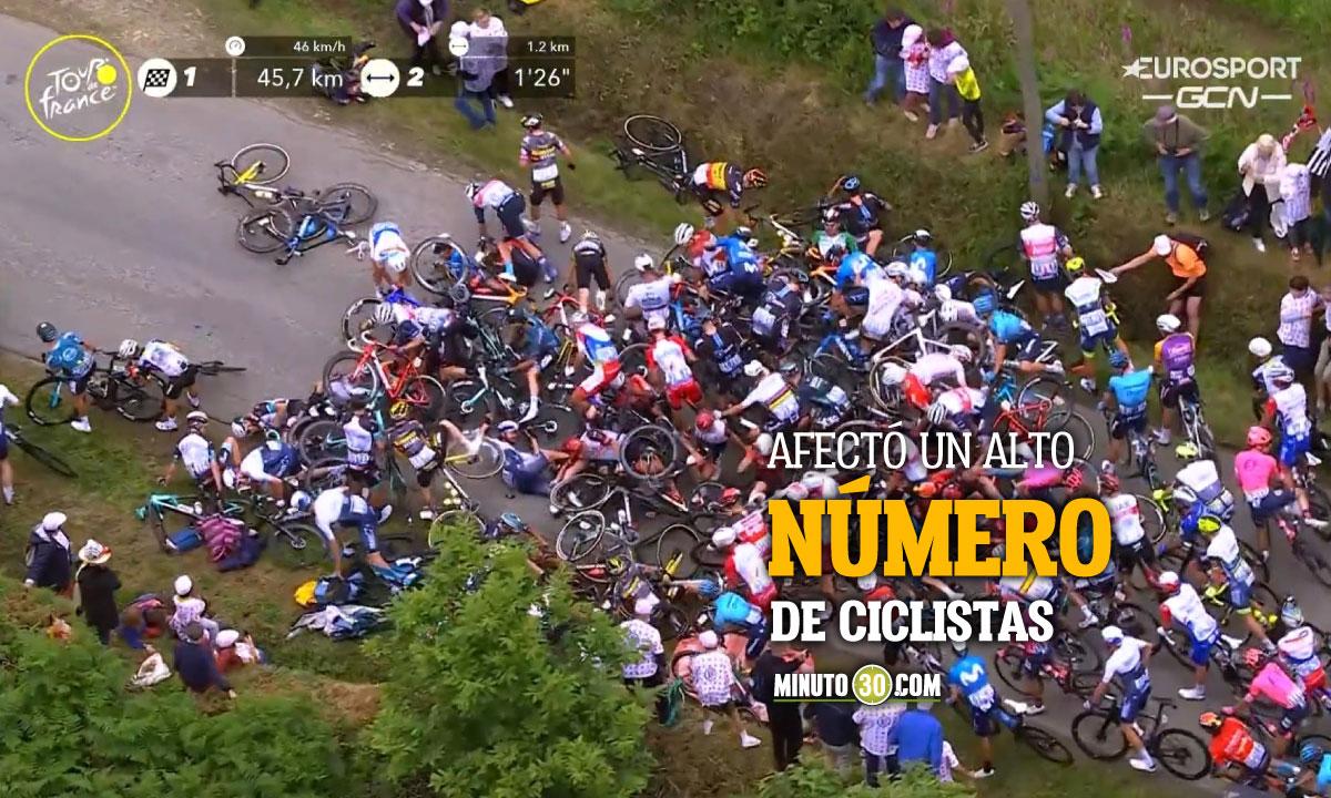 Estrepitosa caida en la primera etapa del Tour de Francia