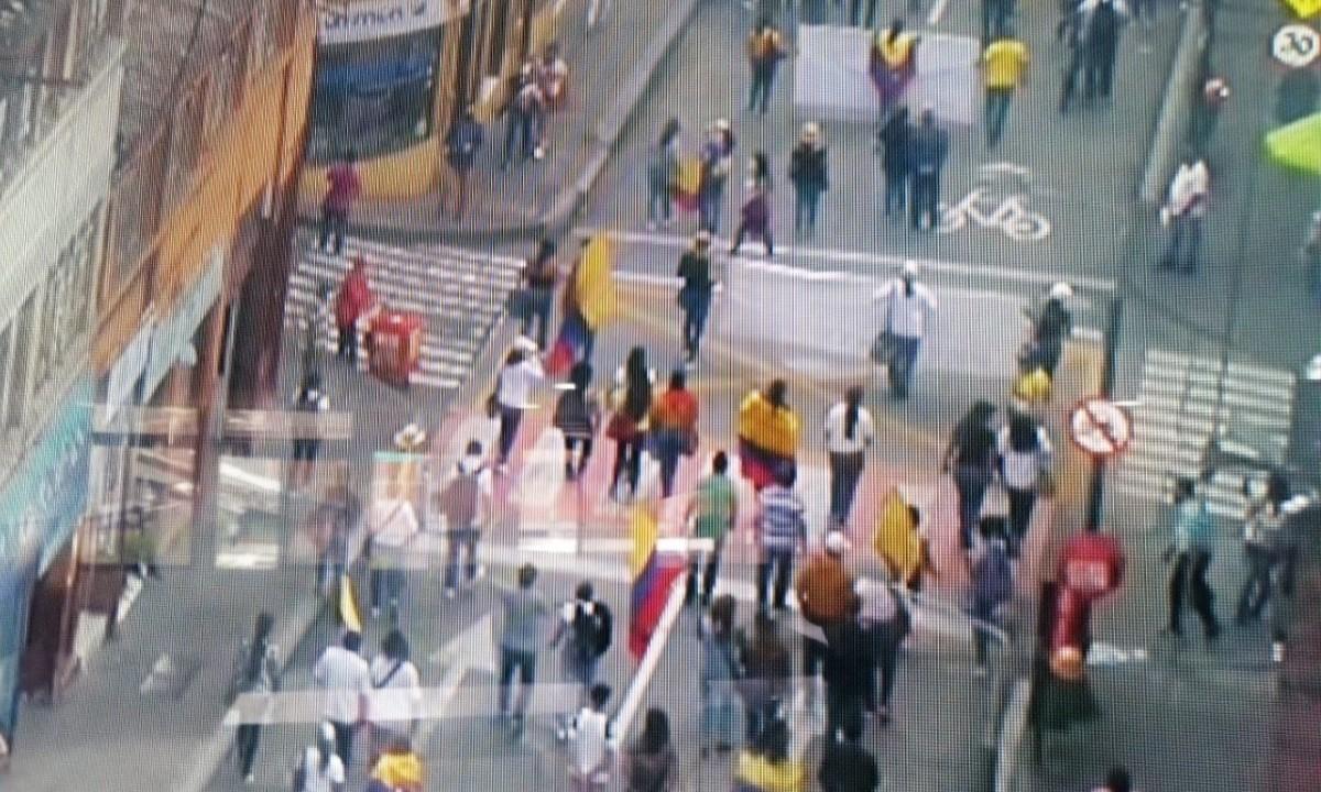 Manifestación llega a la Plaza de Bolívar en Manizales