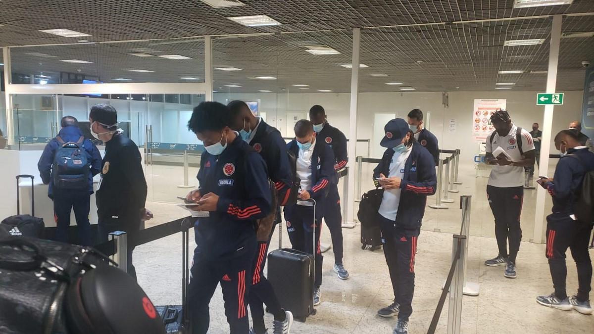 Seleccion Colombia en aeropuerto 1