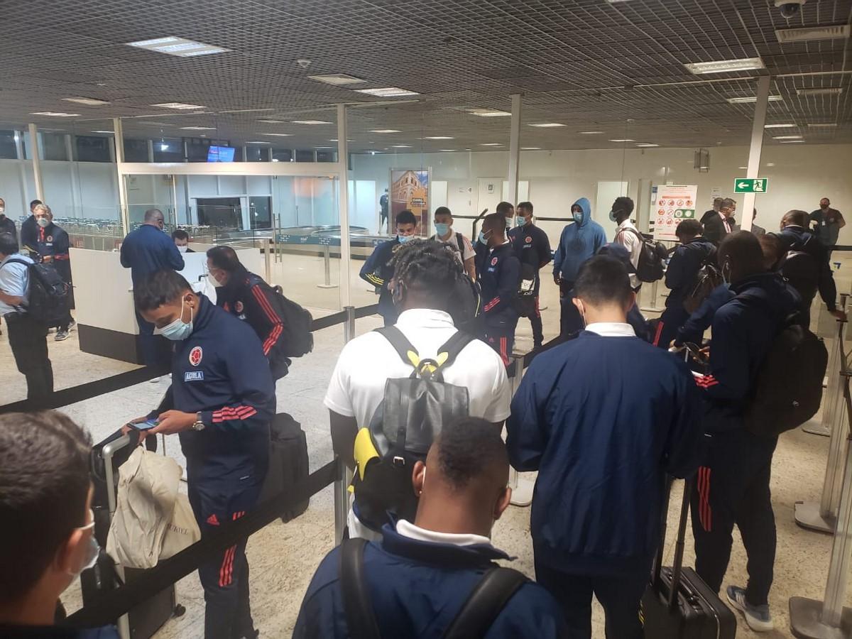 Seleccion Colombia en aeropuerto 2